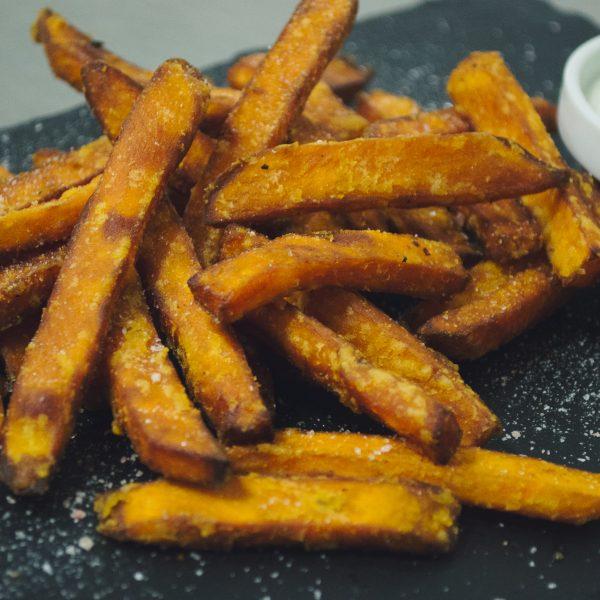 Сладки пържени картофки